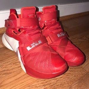 Nike Lebrun High Top Basketball Shoes